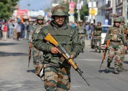 Hindistanda qruplaşma ilə döyüşdə 22 hərbçi öldü, 31-i yaralı var