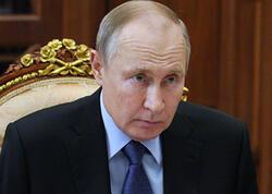 Putin veteranların təhqir edilməsinə görə cəzaları sərtləşdirdi