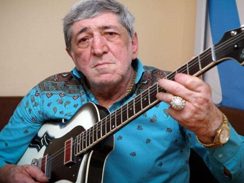 Tanınmış gitara ifaçısı Rafiq Hüseynov (Rəmiş) vəfat edib.