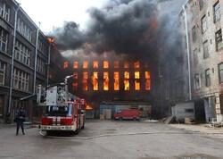 Rusiyada fabrik yanır - Ölən və yaralananlar var