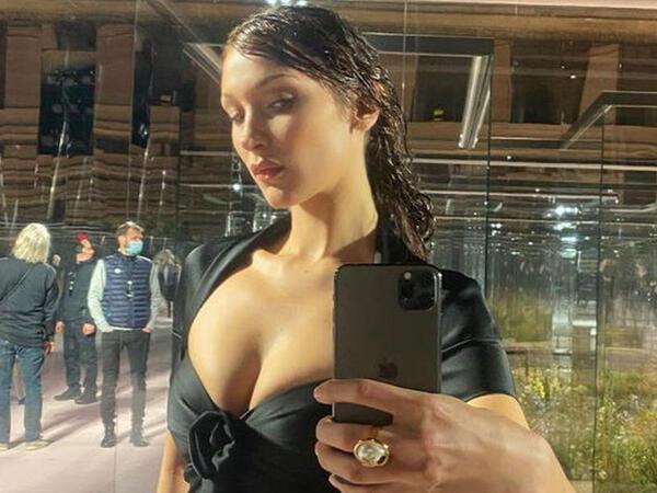 Bella Hadidin dekolteli geyimi pərəstişkarlarını heyran etdi - FOTO