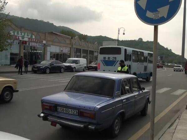 Balakəndə yol polisi reyd keçirib, qaydaları pozan sürücülər barəsində protokol tərtib olunub - FOTO