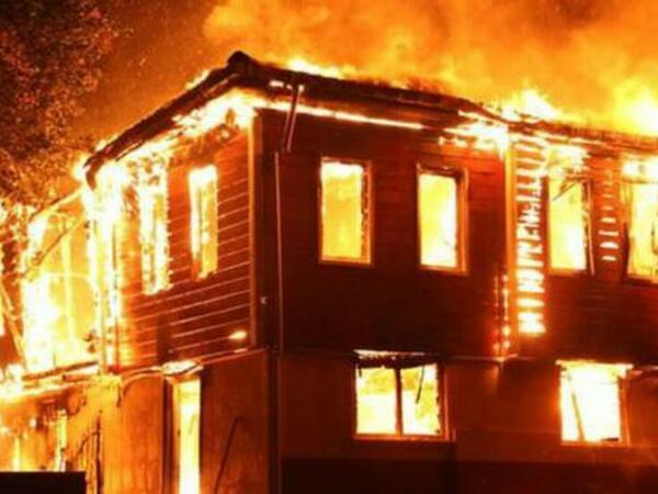 """""""Uşağım xəstədir"""" deyib, 15 min yığdı, evini təmir etdirdi: Ev də yandı, uşaq da"""