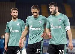 Azarkeşlər futbolçulara hücum çəkdilər - VİDEO