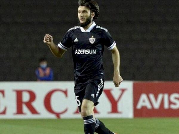 """Xarici klublardan dəvət alan Bədavi Hüseynov: """"Qarabağ""""da xoşbəxtəm"""""""