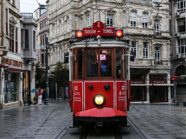 Türkiyədə COVID-19-la bağlı yeni qadağaların tətbiqi gözlənilir