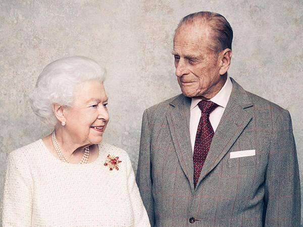Britaniya kraliçası II Elizabet 95 yaşını matəm şəraitində keçirir