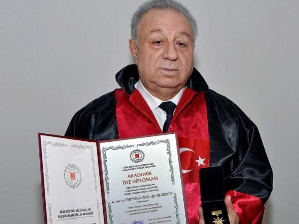 """Hüseynbala Mirələmov YAP-dan çıxarılır - <span class=""""color_red"""">AÇIQLAMA</span>"""