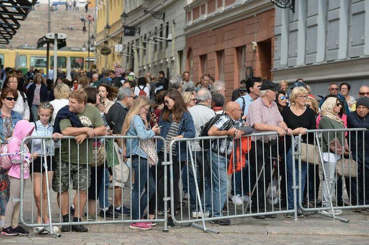 Finlandiyada karantinə qarşı etiraz: 60 nəfər saxlanılıb