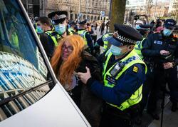 Londonda etiraz aksiyaları - 9 nəfər saxlanıldı