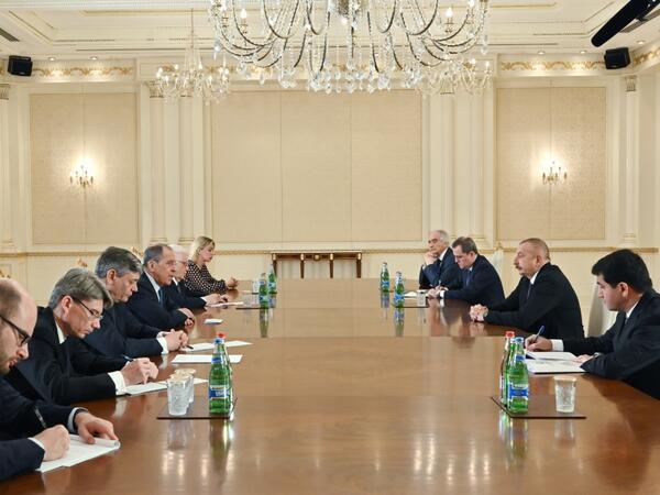 Prezident İlham Əliyev Rusiyanın xarici işlər nazirinin başçılıq etdiyi nümayəndə heyətini qəbul edib - FOTO
