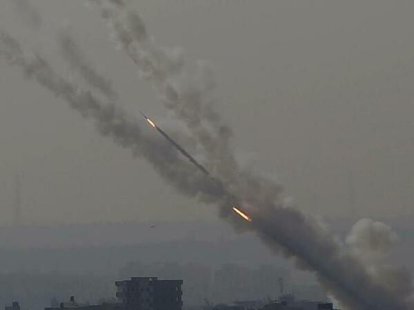 İsrail raket atəşinə tutulub: Ölənlər və yaralananlar var