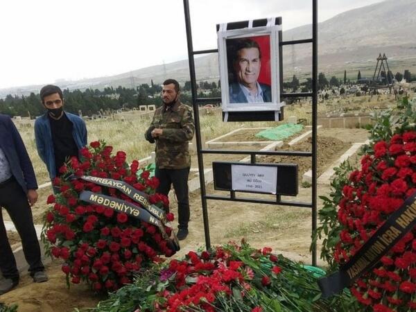 """Arif Quliyevin o dünyadakı qonşuları: """"Qurd qapısı""""nda torpağa qarışan tanınmışlar"""