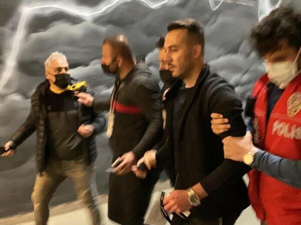 """""""Beşiktaş""""ın futbolçusunun meneceri saxlanıldı"""