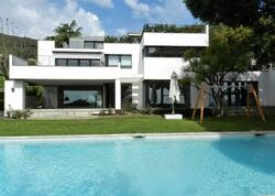 Qvardiola Barselonada ev aldı - FOTO