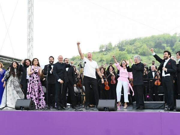 """Prezident İlham Əliyev Cıdır düzündə bir daha """"Qarabağ Azərbaycandır"""" dedi - VİDEO"""