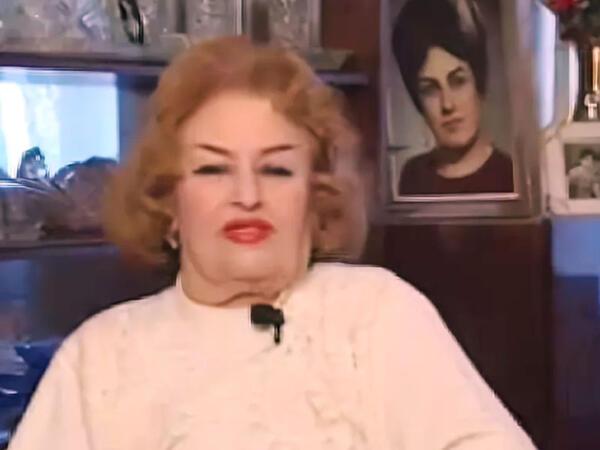 """İrəvandan yük maşınında qaçan, özündən 24 yaş böyük direktorla evlənən, <span class=""""color_red"""">İran şahının sevimlisi olan Xalq artisti</span>"""