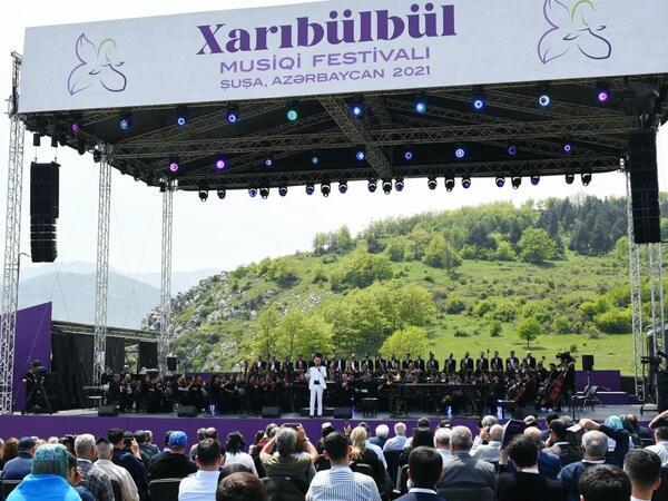 """Azərbaycan tarixinin ən mühüm mədəniyyət hadisəsi: """"Xarıbülbül"""" festivalı milli birlik və həmrəyliyin nümayişi oldu"""