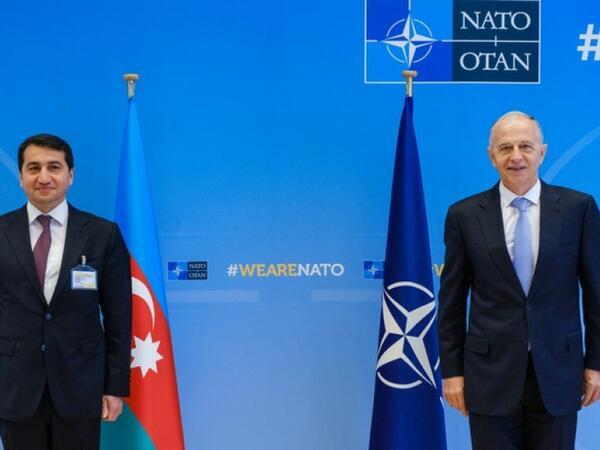 Hikmət Hacıyev Brüsseldə NATO-nun Baş katibinin müavini ilə görüşüb - FOTO