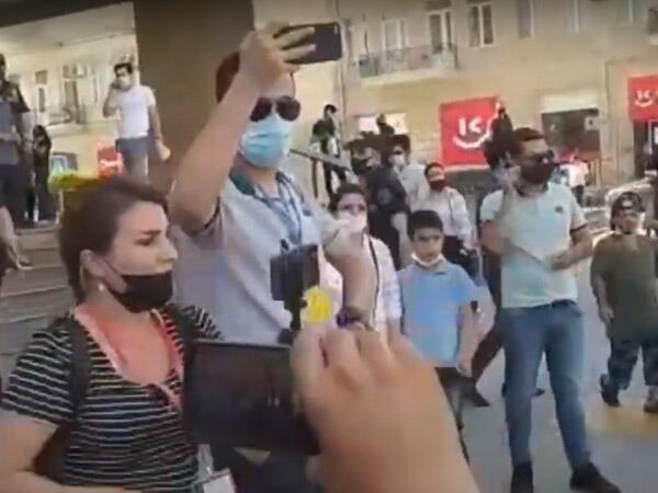 """""""Hamı heykəlin dibinə gəlsin"""": muzdlular Bakıda yenə uduzdular"""