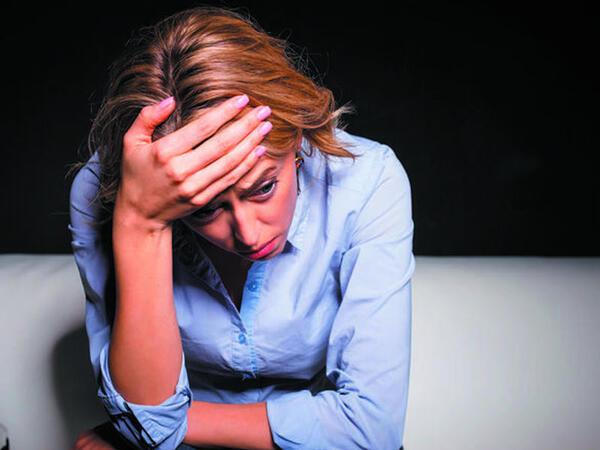 Ölümcül xəstəliklə bağlı XƏBƏRDARLIQ: Gözlərdə ləkələr və şiddətli baş ağrısı...