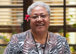 Samoada Baş nazir hökumət binasından qovuldu, görün nə etdi
