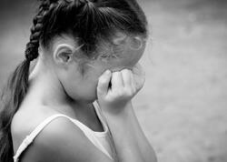 Rəzilliyin son həddi - Ailə dostunun uşaqlara qarşı iyrənc hərəkəti dəhşətə gətirir