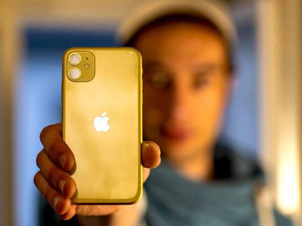 """Ən populyar """"iPhone"""" açıqlanıb"""