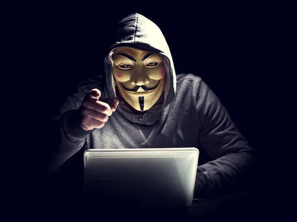Anonymous hacker qruplaşması Elon Musk-a müharibə elan edib - VİDEO