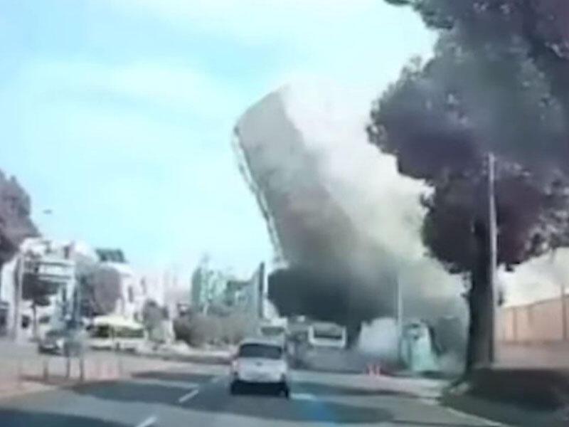 Cənubi Koreyada bina avtobusun üzərinə çökdü - Ölü və yaralılar var