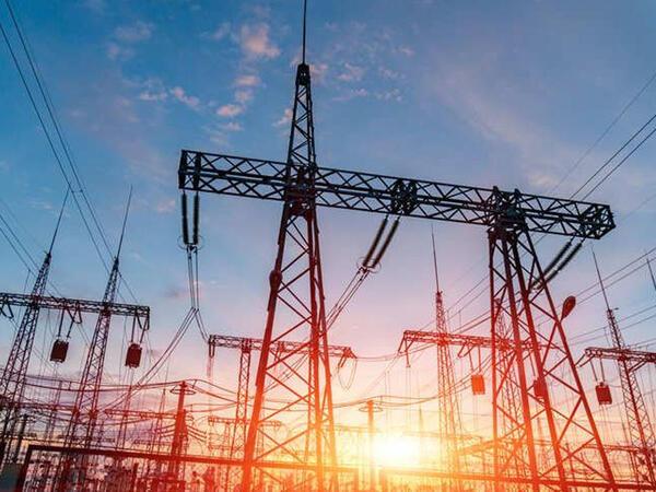 İran Azərbaycandan elektrik enerjisi idxalını yayın sonuna qədər davam etdirəcək