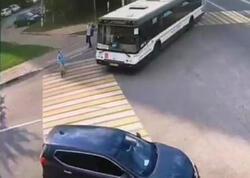 """Avtobus məktəblini vurub öldürdü - <span class=""""color_red"""">Anbaan VİDEO</span>"""