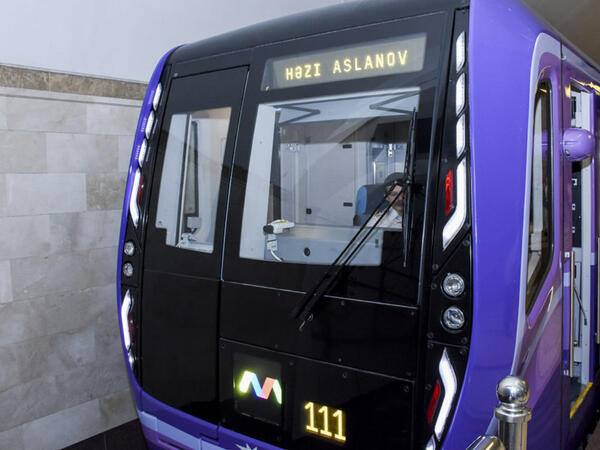 Metroda nasazlıq olub, tunelə tüstü dolub