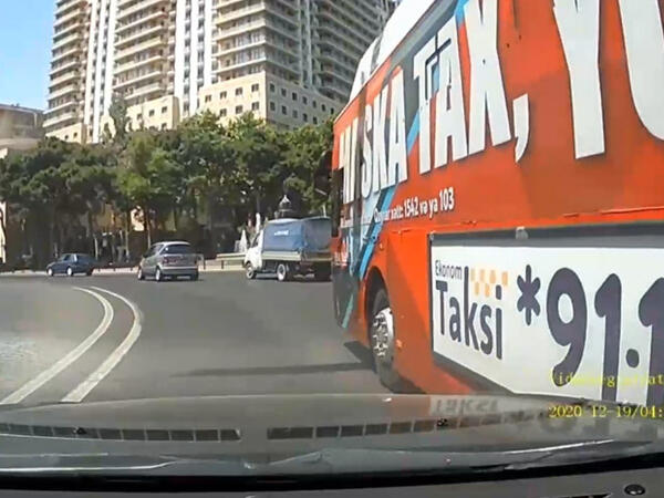 """""""BakuBus"""" avtobusunun qəza törətməsi ilə bağlı <span class=""""color_red"""">AÇIQLAMA</span>"""