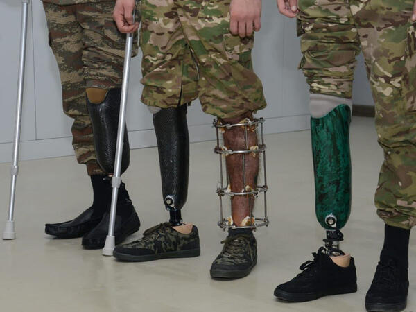 70-ə yaxın hərbçi müasir protezlərlə təmin edilib