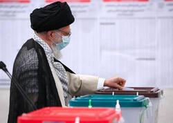 """İranın ali lideri prezident seçkilərində səs verdi - <span class=""""color_red""""> FOTO</span>"""