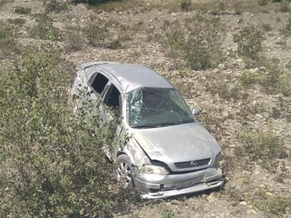 """Oğuzda """"Opel"""" aşdı, xəsarət alan var - FOTO"""