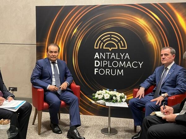 Antalyada Ceyhun Bayramov ilə Türk Şurasının Baş katibi arasında görüş olub
