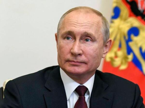 Putin İbrahim Rəisini təbrik etdi