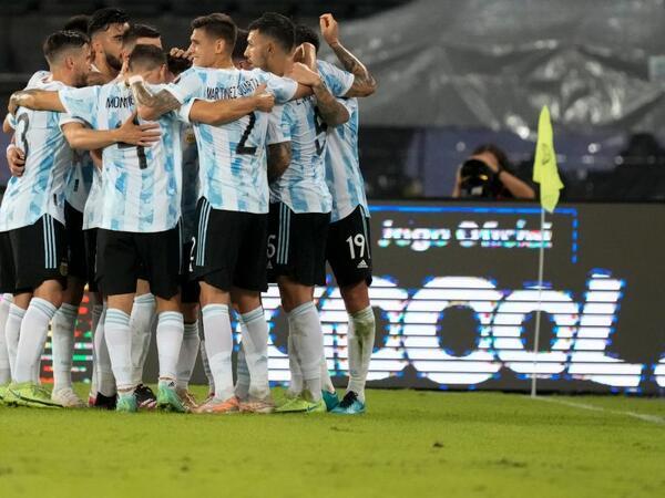 Argentina Uruqvayı məğlub edib