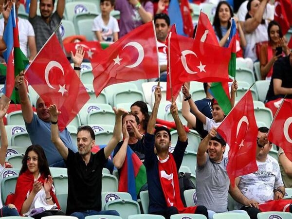 Bakı Olimpiya Stadionunda 3 oyunda nə qədər tamaşaçı olub?