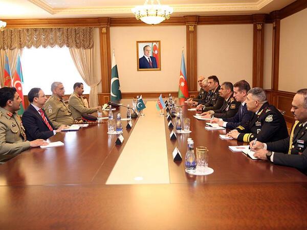 Azərbaycan ilə Pakistan arasında birgə təlimlərin keçirilməsi barədə razılıq əldə olunub - FOTO