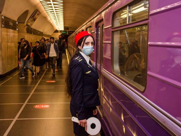 Metroda maskalara nəzarət üçün tədbirlər gücləndirildi