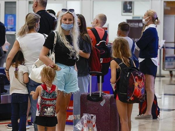 Koronavirusa qarşı kütləvi peyvəndləmə Türkiyədə turizmi yenidən canlandırıb