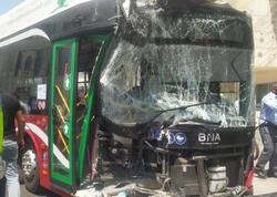 """Bakıda sərnişin avtobusu ağır qəza keçirib - <span class=""""color_red"""">FOTO</span>"""