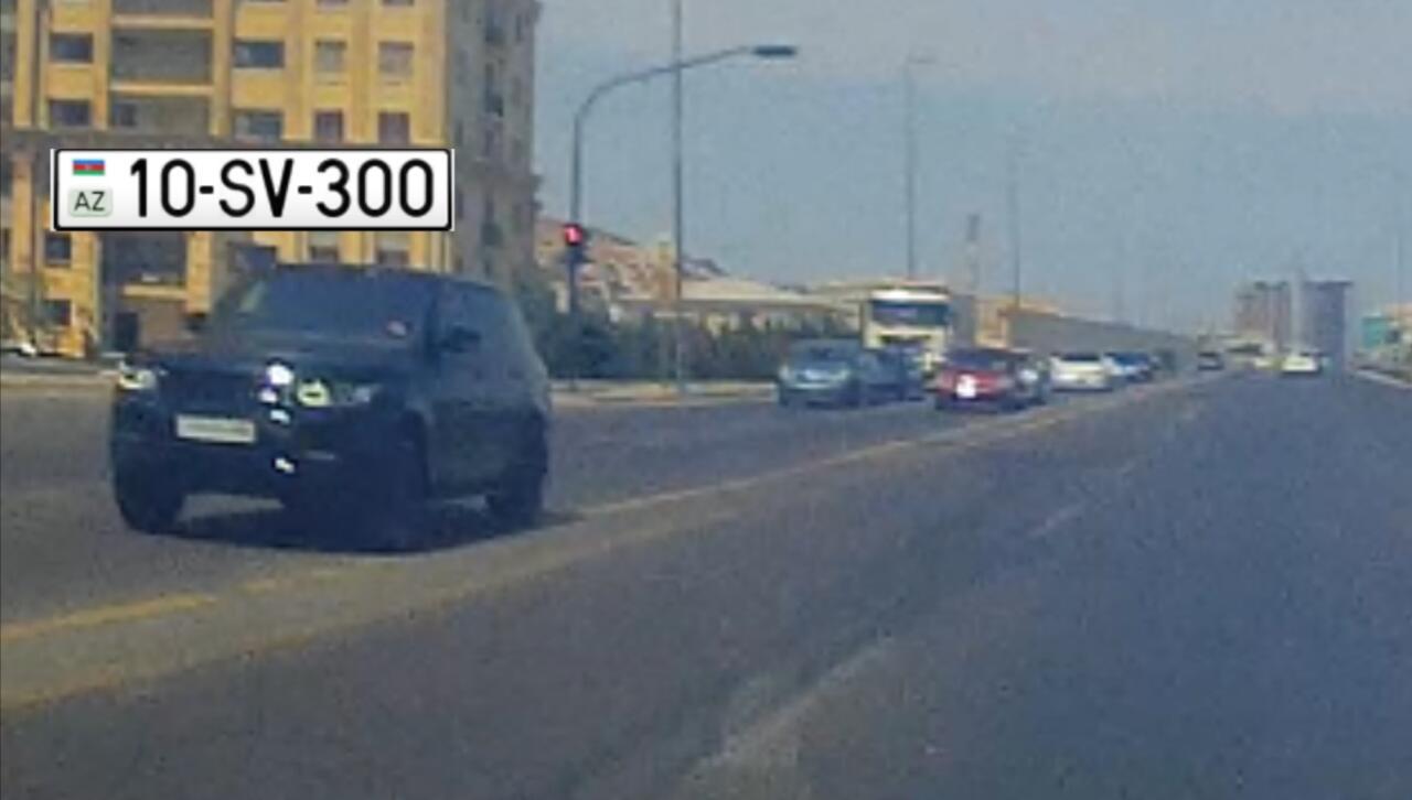 150 minlik maşınla əks yola çıxıb qırmızıda keçdi - 10-SV-300 - VİDEO