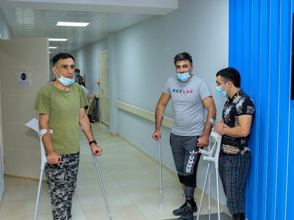Daha bir qrup qazi yüksək texnologiyalı protezlərlə təmin olunub - FOTO