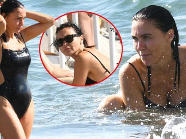 47 yaşlı aktrisa bikinidə - Bədən quruluşu ilə gənc qızlara meydan oxudu - FOTO