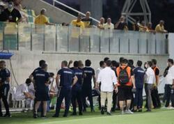 """Kiprli azarkeşlərlə """"Qarabağ"""" futbolçuları arasında qarşıdurma"""