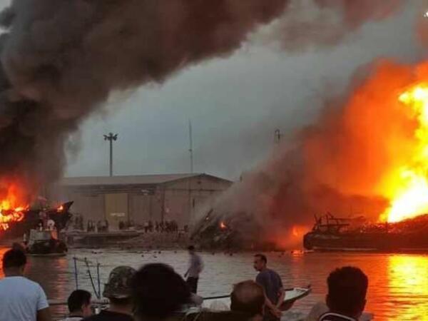 İranda 5 ticarət gəmisi yanıb